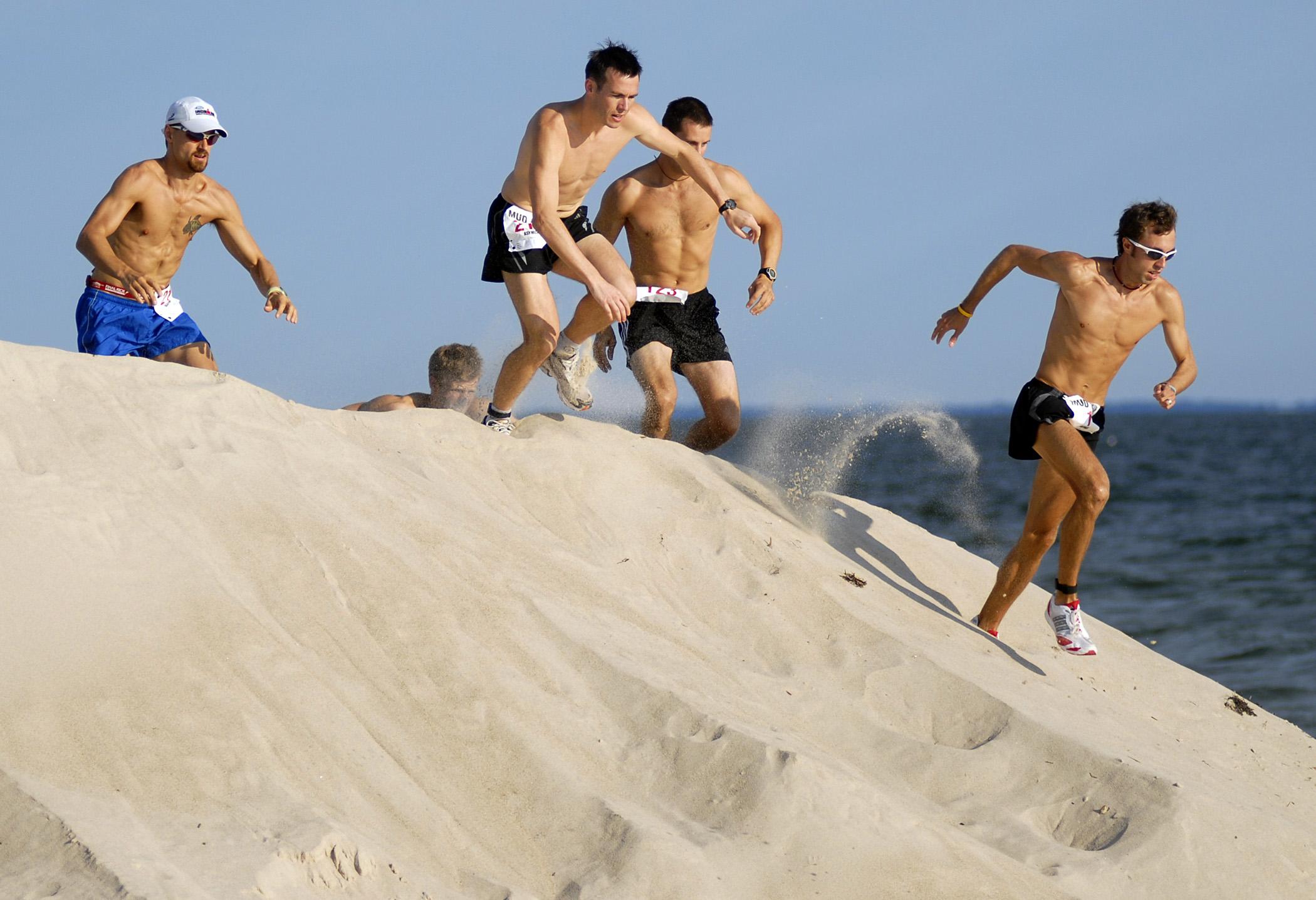 Praktyczne porady Przemka Walewskiego. Plażowanie i bieganie