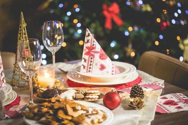Przy świątecznym stole  radośnie, smacznie i … zdrowo!