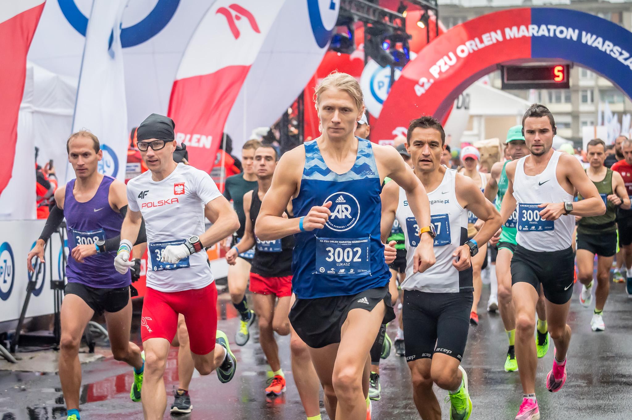 Tysiąc biegaczy na trasie  42.  PZU ORLEN Maratonu Warszawskiego!