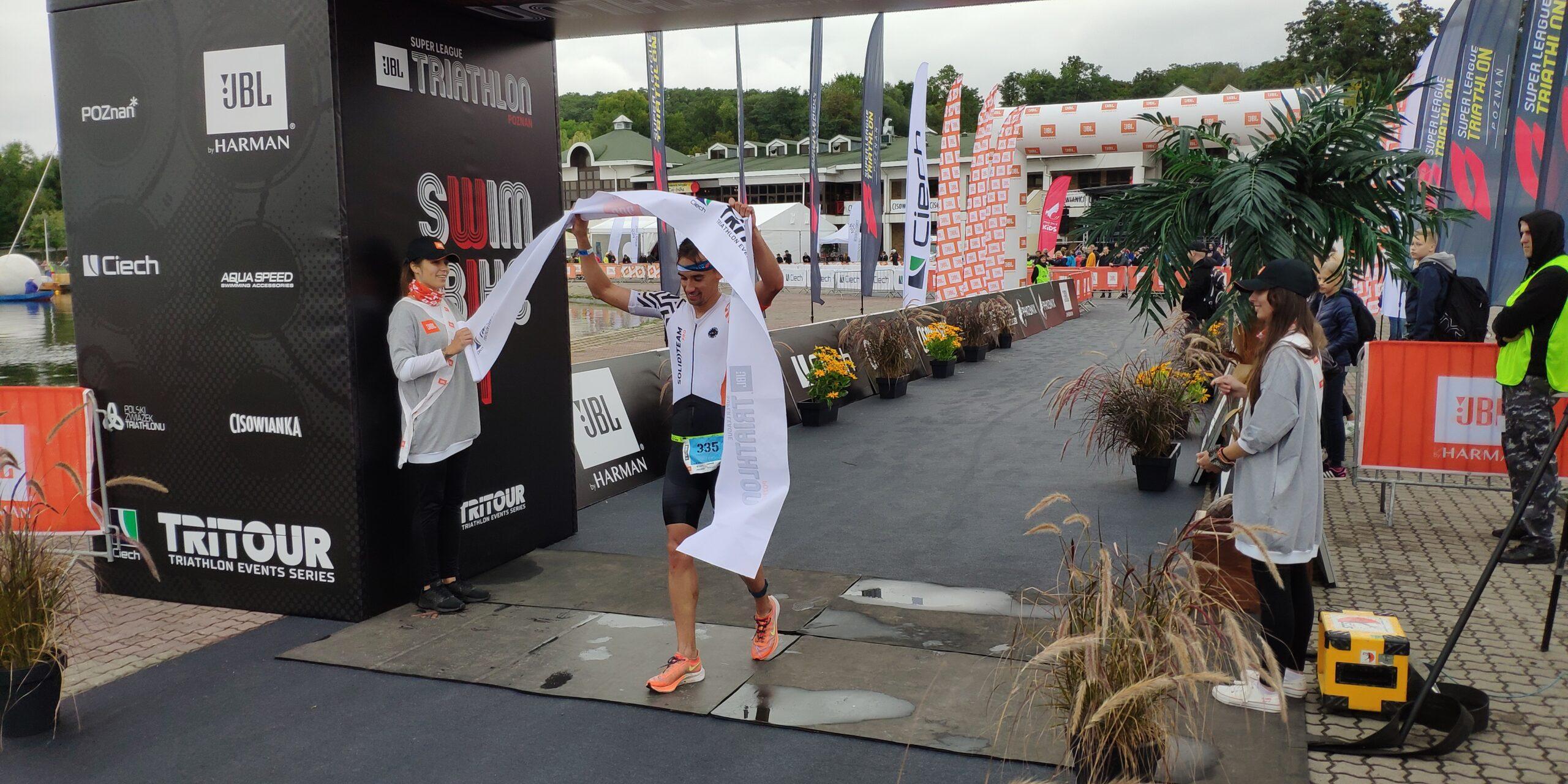 Relacja. Robert Czysz i nasza sztafeta zwycięzcami sobotniej odsłony JBL Super League Triathlon!
