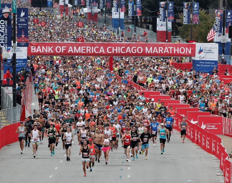 Wiatr rozdawał karty na maratonie w Chicago!