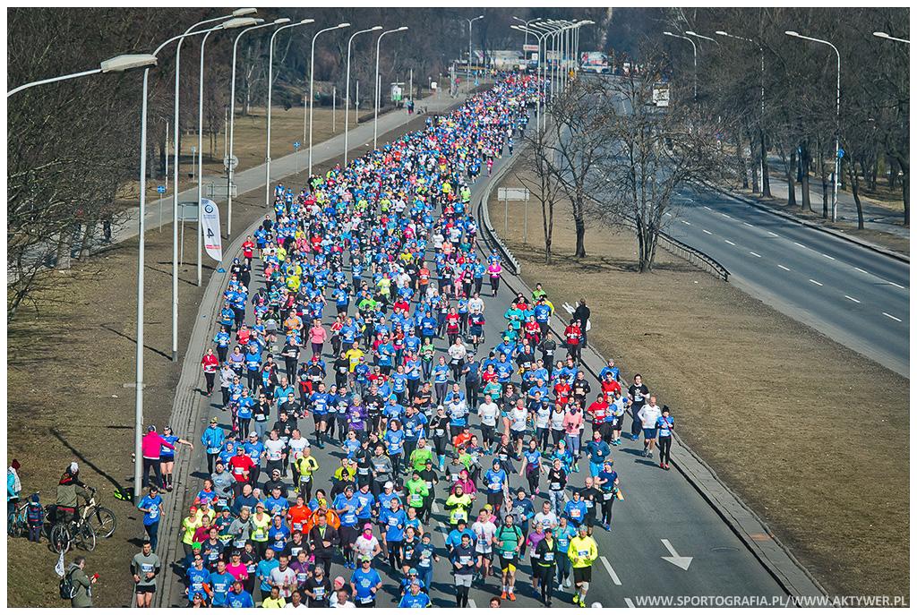 Ponad 12 tysięcy osób na starcie13. PZU Półmaratonu Warszawskiego