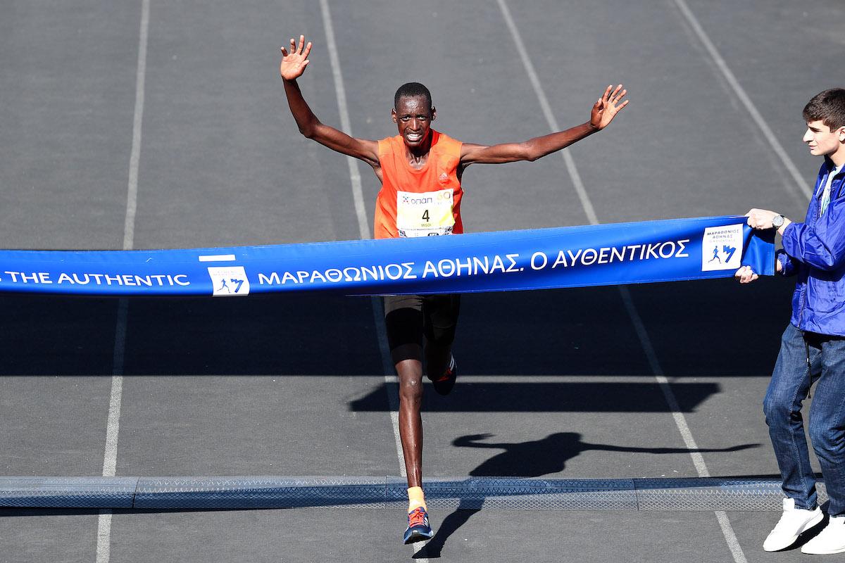 55 tysięcy biegaczy w Atenach