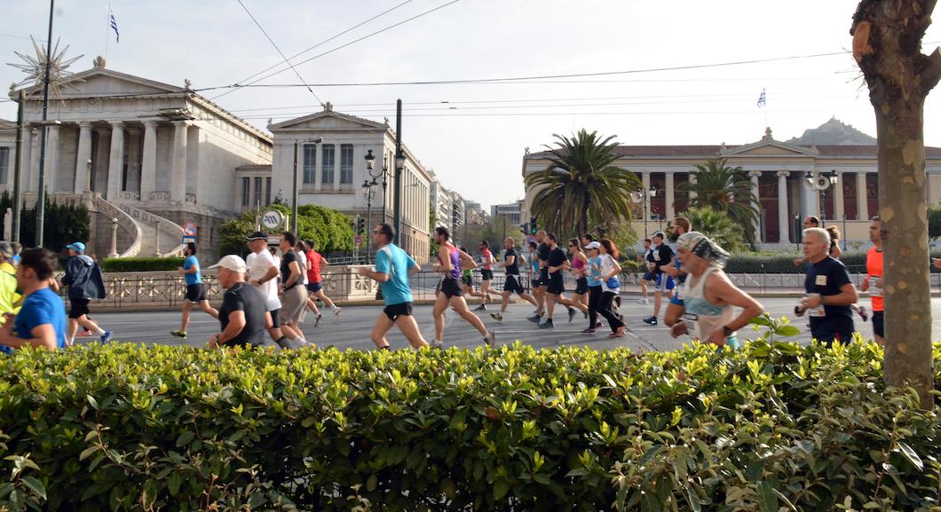 """Kultowy i """"prawdziwy"""" maraton ze Sparty do Aten"""